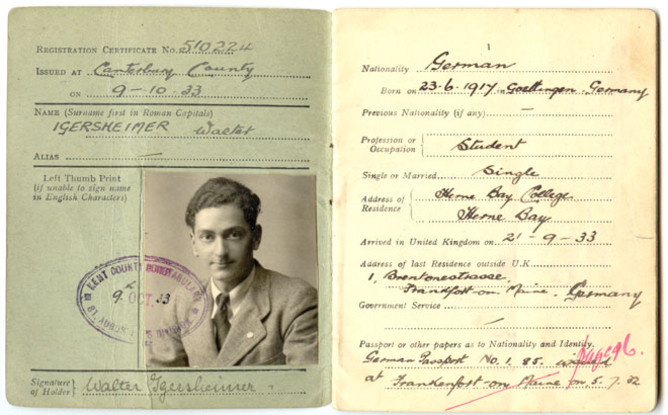 First page of Walter Igersheimer's certificate of registration, with photograph and personal information.